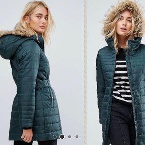 NWT ASOS green puffer Jacket faux fur hood & belt